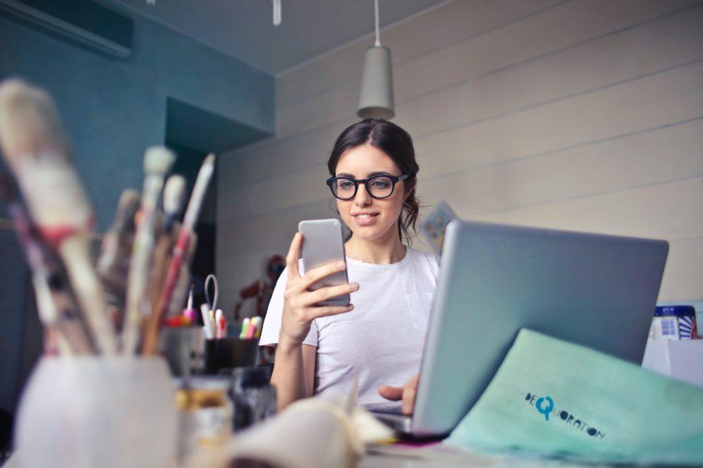femme-laptop-cfmd